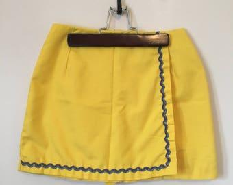 Vintage yellow skort w/ricrac trim.