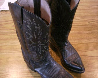 Pair of Preowned Cowgirl Cowboy Boots 4 1/2 B Size, Leather