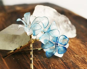 something happy blue -blue flower hairpins