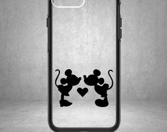 Minnie and Mickey Mouse Kissing Decal, Disney Mickey Decal, Disney Minnie Mouse Sticker, Disney Minnie and Mickey Love Decal, Phone Cover