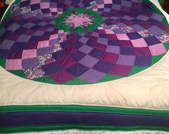 Handquilted  Giant Dahlia Quilt