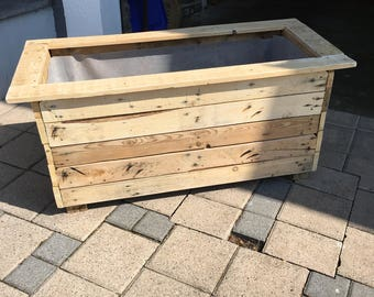 Pallet wood outdoor planters