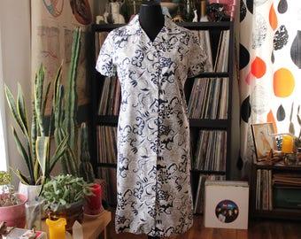 1960s 70s vintage shirt dress, womens size large . floral print button front dress