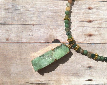 Green, gemstone, pendant, beaded, chain, necklace, gift, long necklace, Mother's Day