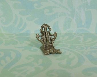 Dollhouse Miniature Antique Gold Victorian Plate Holder