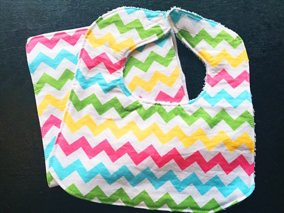 Chevron Baby Bib and Burp Cloth Set, Baby Girl Bib Set, Baby Shower Gift, New Baby Girl Gift