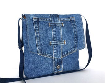 Small crossbody bag , Recycled blue jean messenger bag , Travel purse Side bag Denim sling purse  Upcycled shoulder purse  Cross body bag