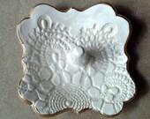 Ceramic Ring Holder Dish OFF WHITE edged in gold
