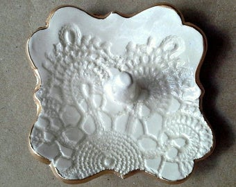 Ceramic Ring Holder Dish OFF WHITE edged in gold