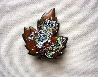 Neat Enameled Vintage Metal Leaf Brooch