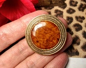 Mod 1960s Gold Faux Amber Stone Womens Scarf Dress Clip Holder Vintage Round Circle