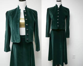 Sero . 2 piece set . green velvet top and skirt . size 6 . made in USA