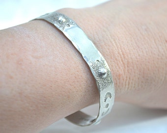 Alpaca Bracelet, Tribal Bracelet, Silver Alpaca Bangle, Mexico Bracelet, Silver Cuff Bracelet, Vintage Alpaca Bracelet, 1970's Bracelet