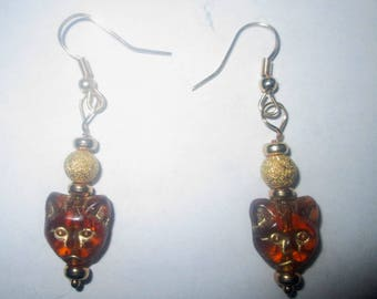 Amber Colord Cat Face Earrings With Gold Accents