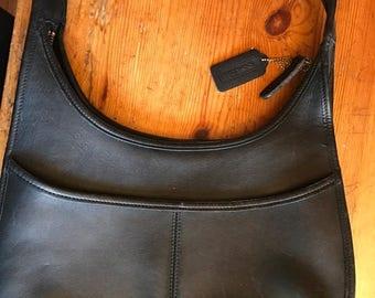 1990s vintage coach handbag shoulder strap black flat shoulder bag circular nice design