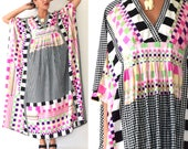 SUMMER SALE / 20% off Vintage 60s 70s Op Art Dayglo Checkered Caftan