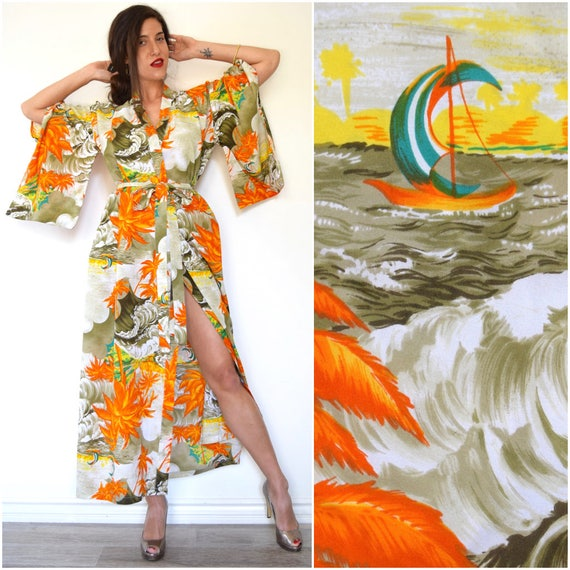 SPRING SALE/ 20% off Vintage 60s 70s Hawaiian Print Kimono Sleeve Floor Length Robe
