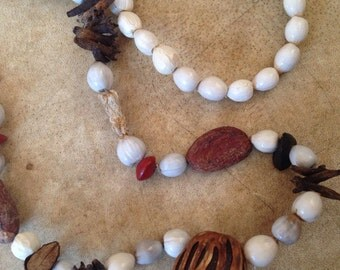 Vintage 1970s Seed & Spice Necklace // Earthy// Hippie