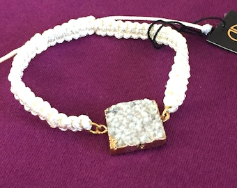 Dara Ettinger White Macrame Friendship Bracelet with 14kt Gold plated brilliant amethyst square druzy in Halo