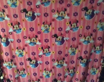Minnie Mouse NoSew Fleece Blanket