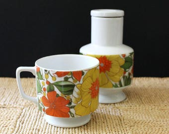 Goodwood Japan mod floral 1970s stoneware mug and carafe.