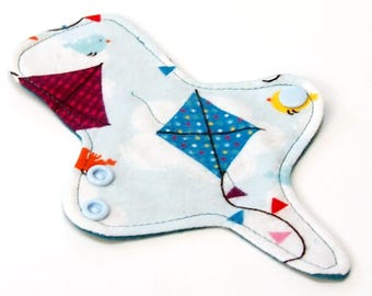 ULTRATHIN Reusable Thongliner Pantyliner with wings for Every Day - Washable - Kites