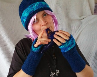 Cloche Hat and Fingerless Gloves Set Skate Boarder Beanie Navy Blue Very Blueberry tweed CT006