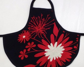 Bottle Apron in Red Floral Print from The Farmer's Daughter