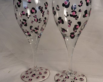 painted pink leopard wine glasses  - for birthday, bridesmaid, wedding, girls night out