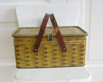 Vintage Metal Picnic Basket, Faux Bois Basket, Picnic Basket, Faux Woven Basket, Vintage Brown Picnic Basket, Metal Handled Basket