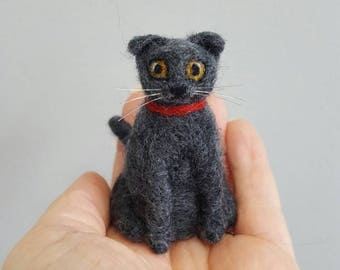 Scottish fold needle felted miniature cat figurine, Cat lover gift, Cat art, Dollhouse miniature, Pocket toy