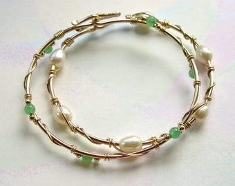 Chrysoprase Gold Stacking Bangle Bracelet, 14K Gold-Filled Stacking Bangle, Green Chalcedony Gemstones, Modern Original Design, Opens