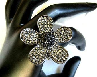 Black & Hematite Expansion Ring Vintage Retro Rhinestone Flower