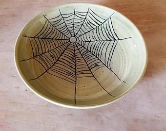 Spider web bowl in Green glaze