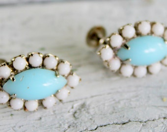 Milk Glass Earings Screwback Blue and White Vintage