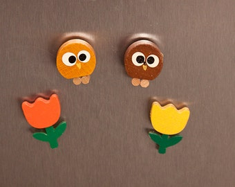 Wooden Brown Owls Orange Yellow Tulips Vintage Magnets Set Tin Knobler Japan