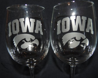 Set Of 2 Iowa Hawkeyes NCAA Wine Glasses