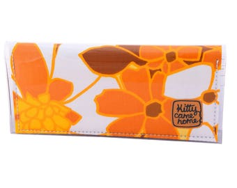 Bi-fold Clutch - Walking on sunshine - vintage fabric