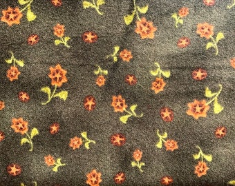 1/2 yard of premium flannel fabric - Dark Green w/sunflowers (137FH)