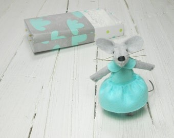 Small felt animal bed in a box mint felt toy kit hand made doll sleepy miniature felt mouse animal plushie stuffed animal gray in matchbox