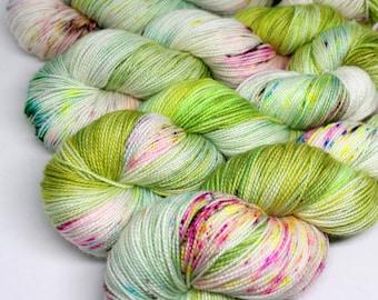 Hand Dyed  Speckled Sock Yarn - SW Sock 80/20 - Superwash Merino Nylon - 400 yards  - LeapFrog