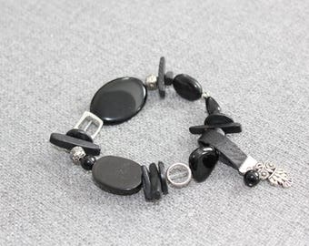 bracelet, bracelet élastique, noir, hibou, owl, bracelet noir, bracelet métal, quebec, casual, classique, tous les jours, fait à montreal