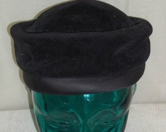 SWEETHEART SALE Vintage Amy New York Black Velvet Tam Hat Church Beret Bow