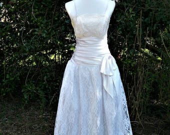 ON SALE 80s White Lace Dress size Small Glenrob Party Dress Prom Tea Length Wedding Dress