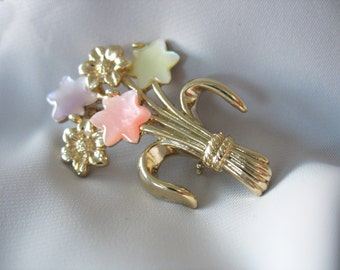 Lucite Moonglow Brooch, Flower Bouquet, Pastels, Goldtone, 1960's, Pink, Yellow, Purple, Fashion Pin