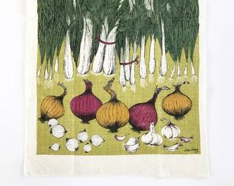 Kitchen Towel Onions Leeks Garlic Lois Long Linen Wall Hanging Dish Towel