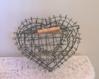 Vintage 1990s Wire Baskets - Set Of 3 Nested With Wood Handles - Heart - Dark Green - Gift Basket - Floral Container