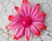 Vintage Warm Hot Pink Ombre to Warm Red / Peach Tips Retro Metal Flower Brooch / Pin / Broach, Summer / Summertime, Enamel, Floral, Bright