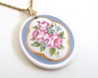 Vintage 80's Avon // Painted Porcelain Rose Necklace