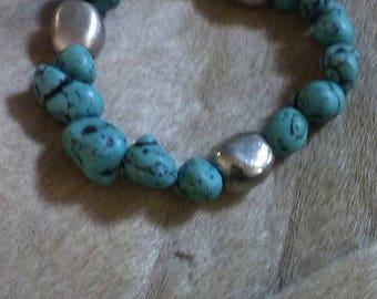 Chunky Turquoise beaded bracelet